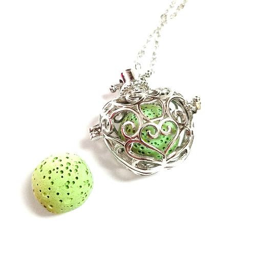 Applelicious Diffuser Necklace